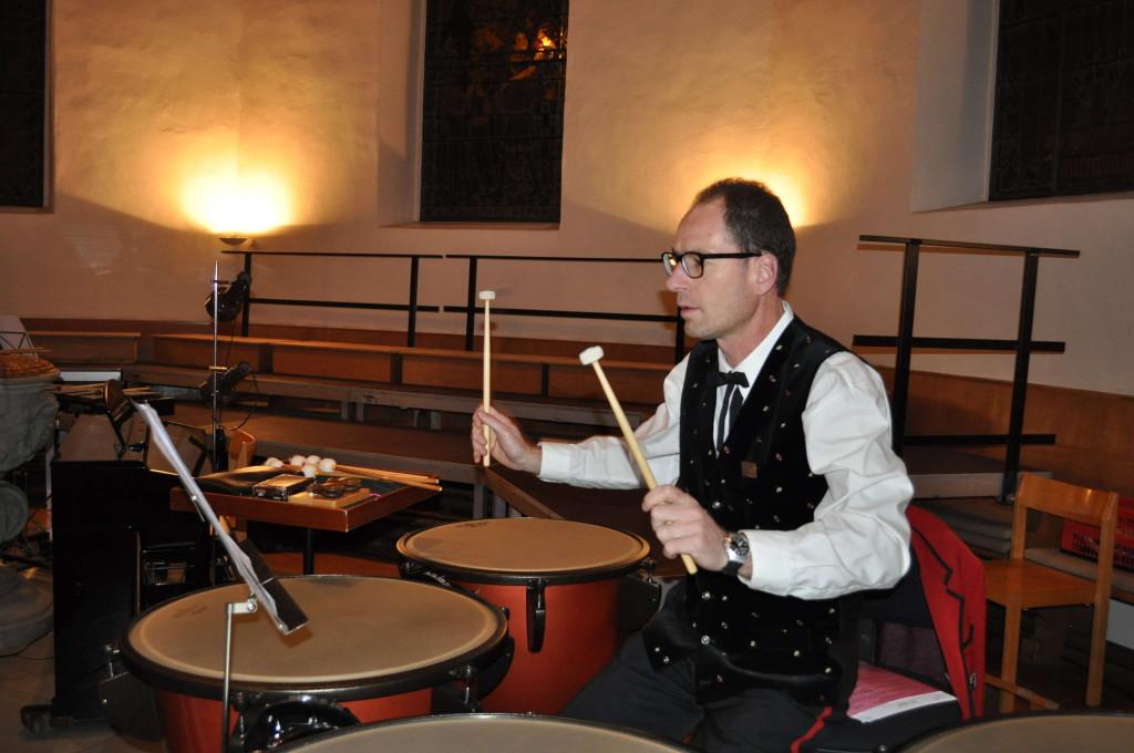 Perkussionist Hansueli in seinem Element